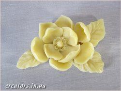 цветок из полиуретана